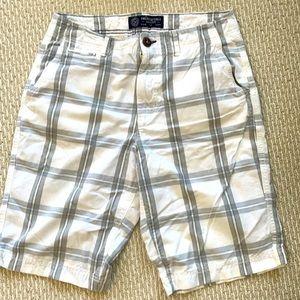 American Eagle White & Grey Checkered Shorts